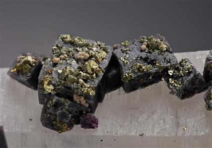 Fluorite and Chalcopyrite on Quartz