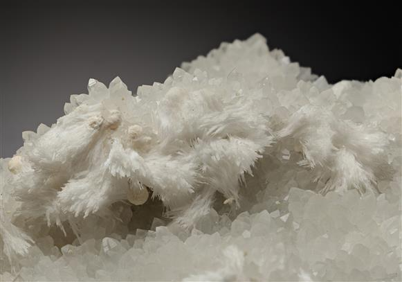 Baryte with Quartz and Calcite