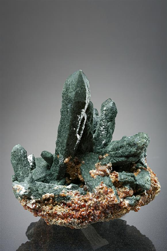Quartz with Andradite