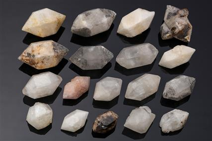 Quartz 18 pieces