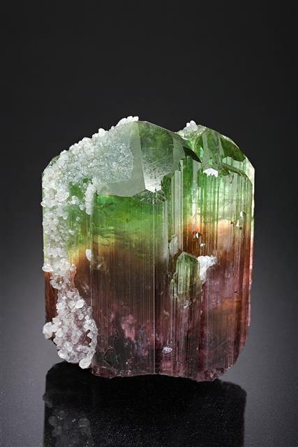 Quartz on Elbaite
