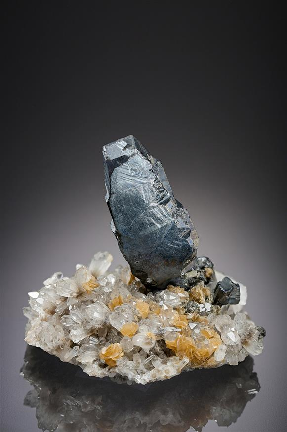 Bournonite on Quartz and Siderite