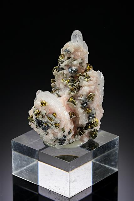 Quartz with Rhodochrosite, Sphalerite and Chalcopyrite