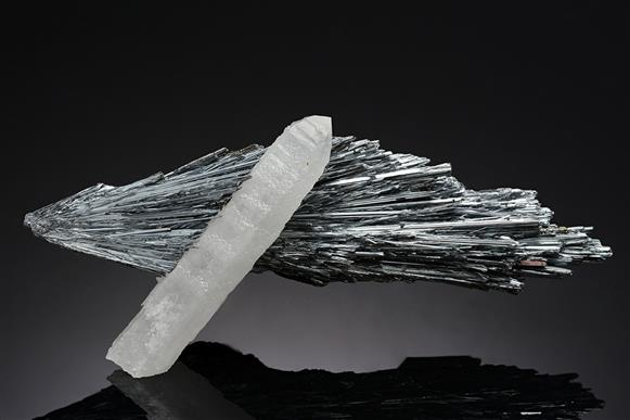 Stibnite with Quartz
