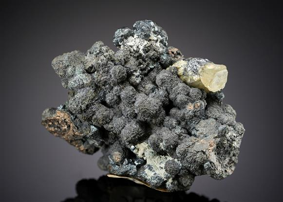Acanthite on Nickeline