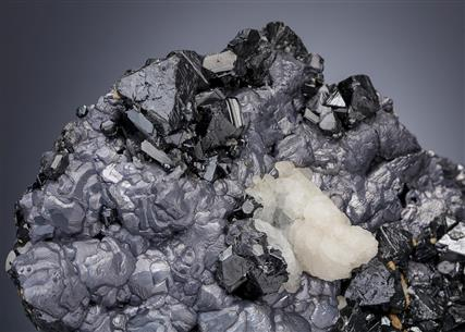 Calcite, Dolomite and Quartz on Galena and Sphalerite