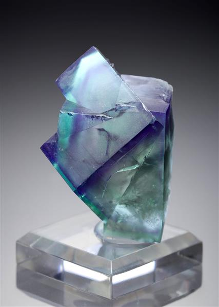 Fluorite with fluid inclusion